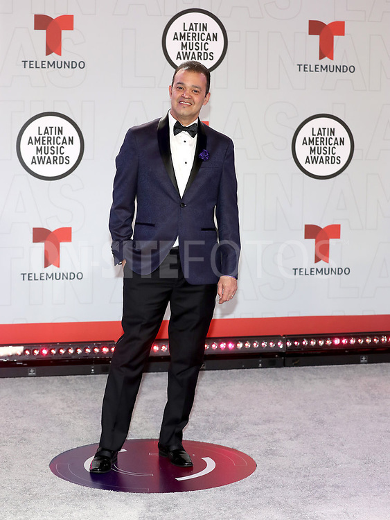 """2021 LATIN AMERICAN MUSIC AWARDS -- """"Red Carpet"""" -- Pictured: Alex Bueno at the BB&T Center in Sunrise, FL on April 15, 2021 -- (Photo by: Aaron Davidson/Telemundo)"""