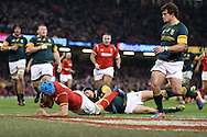 Justin Tipuric of Wales scores his teams 2nd try.  Under Armour 2016 series international rugby, Wales v South Africa at the Principality Stadium in Cardiff , South Wales on Saturday 26th November 2016. pic by Andrew Orchard, Andrew Orchard sports photography