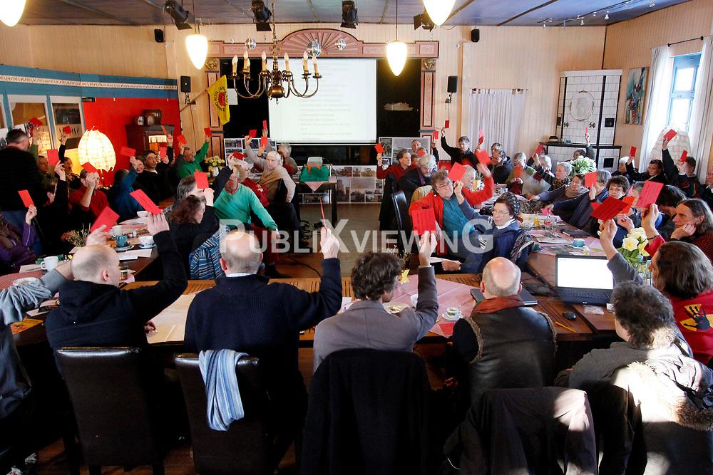 Mitgliederversammlung der Bürgerinitiative Umweltschutz Lüchow-Dannenberg im Restaurant Bauernstuben in Trebel.<br />  <br /> <br /> Ort: Trebel<br /> Copyright: Andreas Conradt<br /> Quelle: PubiXvewinG