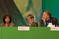 28 NOV 2003, DRESDEN/GERMANY:<br /> Rebecca Harms, (L), B90/Gruene, Fraktionsvorsitzende Niedersachsen, Renate Kuenast (M), B90/Gruene, Bundesverbraucherschutzministerin, und Juergen Trittin (R), B90/Gruene, Bundesumweltminister, 22. Ordentliche Bundesdelegiertenkonferenz Buendnis 90 / Die Gruenen, Messe Dresden<br /> IMAGE: 20031128-01-107<br /> KEYWORDS: Bündnis 90 / Die Grünen, BDK, Gespräch, Jürgen Trittin, Renate Künast<br /> Parteitag, party congress, Bundesparteitag