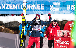06.01.2018, Paul Außerleitner Schanze, Bischofshofen, AUT, FIS Weltcup Ski Sprung, Vierschanzentournee, Bischofshofen, Finale, im Bild Gesamtsieger Kamil Stoch (POL) // Overall Winner Kamil Stoch of Poland during the Winner Award Ceremony of the Four Hills Tournament of FIS Ski Jumping World Cup at the Paul Außerleitner Schanze in Bischofshofen, Austria on 2018/01/06. EXPA Pictures © 2018, PhotoCredit: EXPA/ JFK