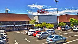 Supermercado de renome no Rio Grande do Sul, o Zaffari está presente em diversos endereços pela capital. A loja da Otto Niemeyer oferece vasta variedade em seus produtos. Outro destaque do Zaffari é sua padaria. Pão francês com soja e folhado, cucas recheadas e bolos fazem sucesso. O Zaffari Ipanema está localizado Avenida Otto Niemeyer, 601. FOTO: Jefferson Bernardes/Preview.com