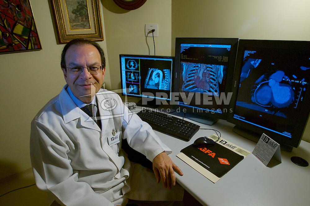 Dr. Wilson Madeira De Almeida, coordenador da clinica SIDI - Serviço de Investigação Diagnostica S.A.  FOTO: Jefferson Bernardes/Preview.com