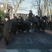 Begrafenis Gerrit Verwelius met koets Huizen