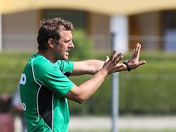 15.07.2013, Walchsee, AUT, FC Augsburg, Trainingslager, im Bild Markus WEINZIERL (Trainer FC Augsburg), ruft, schreit, gibt Anweisungen, Gestik, Einzelbild, Aktion // during a trainings session of German 1st Bundesliga club FC Augsburg at their training camp in Walchsee, Austria on 2013/07/15. EXPA Pictures © 2013, PhotoCredit: EXPA/ Eibner/ Klaus Rainer Krieger<br /> <br /> ***** ATTENTION - OUT OF GER *****