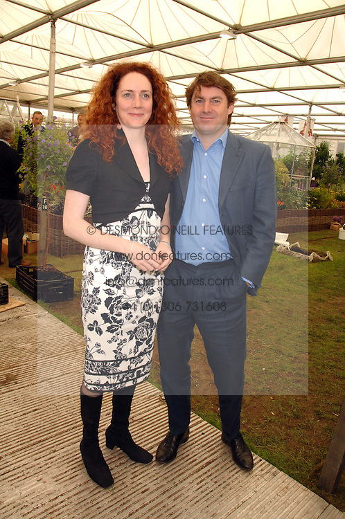REBEKAH WADE and CHARLIE BROOKS at the 2008 Chelsea Flower Show 19th May 2008.<br /><br />NON EXCLUSIVE - WORLD RIGHTS