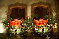 festive restaurants in Strasbourg at Christmas by night