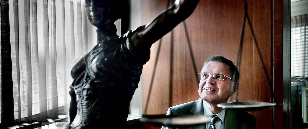 Nederland,Den Haag ,2 juni 2008..Ernst Maurits Henricus (Ernst) Hirsch Ballin (Amsterdam, 15 december 1950) is een Nederlands politicus en rechtsgeleerde. Ernst Hirsch Ballin, minister for Justice under resignation