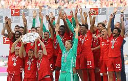 18.05.2019, Allianz Arena, Muenchen, GER, 1. FBL, FC Bayern Muenchen vs Eintracht Frankfurt, 34. Runde, im Bild FC Bayern ist Deutscher Meister 2018 2019 und feiert mit der Meisterschale die Meisterschaft // during the German Bundesliga 34th round match between FC Bayern Muenchen and Eintracht Frankfurt at the Allianz Arena in Muenchen, Germany on 2019/05/18. EXPA Pictures © 2019, PhotoCredit: EXPA/ SM<br /> <br /> *****ATTENTION - OUT of GER*****