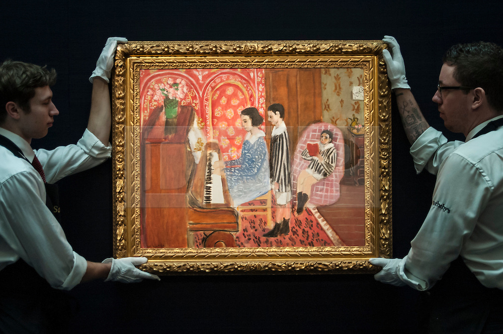 """© Licensed to London News Pictures. 28/01/2016. London, UK.   """"La Leçon de piano"""" by Henri Matisse (est. £12-18m), on display at Sotheby's preview of its upcoming Impressionist, Modern & Surrealist art sale on 3 February featuring works by some of the most important artists of the 20th century.  The combined total of the evening sale is expected to exceed £100m. Photo credit : Stephen Chung/LNP"""