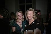 Daisy Garnett and Polly Devlin. Annabel Freyberg and Andrew Barrow drinks party. The Royal Geographical Society. 5 January 2006. ONE TIME USE ONLY - DO NOT ARCHIVE  © Copyright Photograph by Dafydd Jones 66 Stockwell Park Rd. London SW9 0DA Tel 020 7733 0108 www.dafjones.com