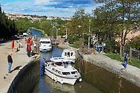 France, Herault (34), Beziers, les 7 ecluses de Fonserannes, Canal du Midi classé Patrimoine Mondial de l'UNESCO // France, Herault department, Beziers, 7 lock of Fonserannes, Canal du Midi