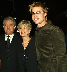 Nov. 19, 2001; Los Angeles, CA, USA; Actor BRAD PITT & actress JENNIFER ANISTON with Pitts parents BILL & JANE PITT @ the LA premiere of 'Spy Game.'.  (Credit Image: Robert Millard/ZUMAPRESS.com)