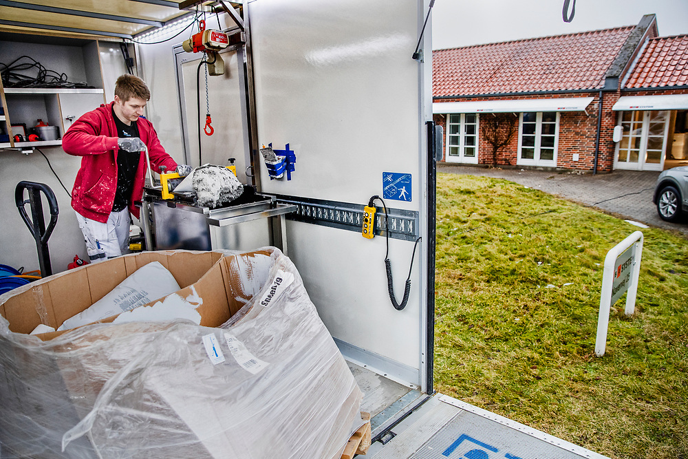 Danske Malermestre - Malerfirmaet Tipsmark og Kildahl har udviklet denne spøjse spartelbil