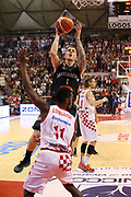 DESCRIZIONE : Campionato 2015/16 Giorgio Tesi Group Pistoia - Pasta Reggia Caserta<br /> GIOCATORE : Downs Micah<br /> CATEGORIA : Tiro Penetrazione<br /> SQUADRA : Pasta Reggia Caserta<br /> EVENTO : LegaBasket Serie A Beko 2015/2016<br /> GARA : Giorgio Tesi Group Pistoia - Pasta Reggia Caserta<br /> DATA : 15/11/2015<br /> SPORT : Pallacanestro <br /> AUTORE : Agenzia Ciamillo-Castoria/S.D'Errico<br /> Galleria : LegaBasket Serie A Beko 2015/2016<br /> Fotonotizia : Campionato 2015/16 Giorgio Tesi Group Pistoia - Pasta Reggia Caserta<br /> Predefinita :