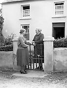01/02/1957<br /> 02/01/1957<br /> 01 February 1957<br /> Outside a farmhouse near Bantry, possibly Drinagh,  Co. Cork.