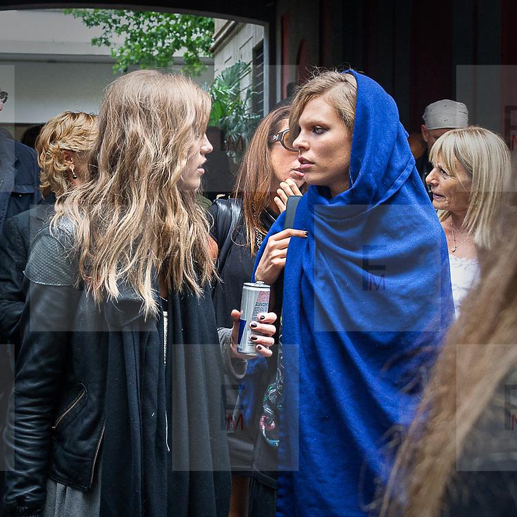 Modelle alla settimana della moda a Milano<br /> <br /> Models during the Milan fashion week