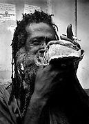 Old Rasta - Port Antonio - Teach with Conch