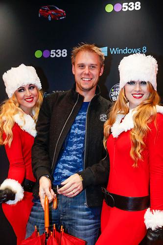 NLD/Amsterdam/20121222 - Inloop 538Jingleballs 2012, Armin van Buuren met 2 kerstengelen