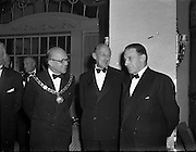 22/10/1957<br /> 10/22/1957<br /> 22 October 1957<br /> Dublin Chamber of Commerce Dinner at the Gresham Hotel, Dublin. Left is J. Harold Douglas Pres Dub Chamber of Commerce and on right is Mr Sean Lemass T.D., Tanaiste and Minister for Industry and Commerce.