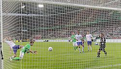 11.09.2011,Volkswagen Arena, Wolfsburg, GER, 1.FBL,VfL Wolfsburg vs FC Schalke 04, im Bild  .  1:1 durch Mario Mand?uki?  .// during the match from GER, 1.FBL, VfL Wolfsburg vs FC Bayern Muenchen on 2011/09/11, Volkswagen Arena, Wolfsburg, Germany..EXPA Pictures © 2011, PhotoCredit: EXPA/ nph/  Rust       ****** out of GER / CRO  / BEL ******