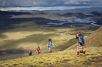 Gengið á Fögrufjöll, austan við Langasjó. Hiking Fogrufjoll mountains, east of lake Langisjor.