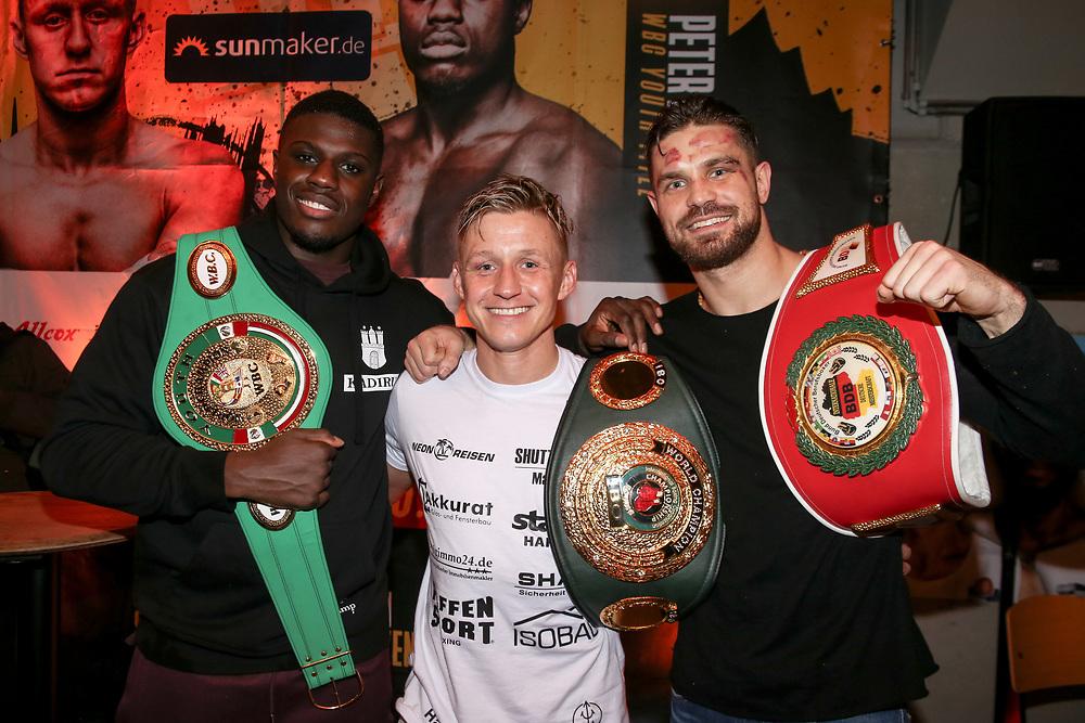 BOXEN: EC Boxing & SES Boxing, Hamburg, 18.01.2020<br /> Pressekonferenz: Peter Kadiru (WBC-Youth-Worldchampions), Sebastian Formella (IBO- Worldchampion) und Roman Fress (Intern. Champion)<br /> © Torsten Helmke