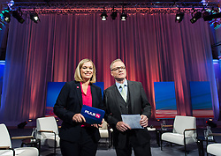 05.10.2015, Sofiensäle, Wien, AUT, ORF-Puls4 TV-Konfrontation, Elefantenrunde zur Wien-Wahl 2015, im Bild die Moderatoren Corinna Milborn (Puls4) und Paul Tesarek (ORF) // before Television confrontation beetwen Topcandidates for viennese state elcetion at Sofiensäle in Vienna, Austria on 2015/10/05, EXPA Pictures © 2015, PhotoCredit: EXPA/ Michael Gruber