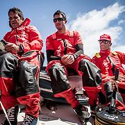 © María Muiña I MAPFRE: Joan Vila, Blair Tuke y Pablo Arrarte entrenando a bordo del MAPFRE. Joan Vila, Blair Tuke and Pablo Arrarte training on board MAPFRE.