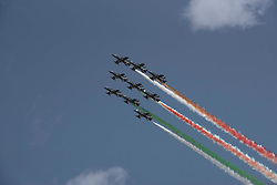 April 18, 2018 - Pozzuoli, Napoli, Italy - Air show of the Frecce Tricolori, Italian National Acrobatic Patrol during the oath of the students of the Air Force Academy in Pozzuoli,province of Napoli. (Credit Image: © Paola Visone/Pacific Press via ZUMA Wire)