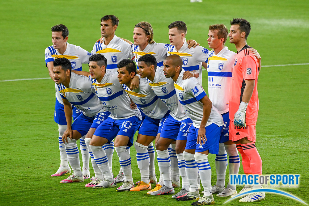 San Jose Earthquakes pose before a MLS soccer game, Sunday, Sept. 27, 2020, in Los Angeles. The San Jose Earthquakes defeated LAFC 2-1.(Dylan Stewart/Image of Sport)