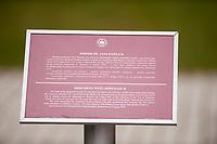 05.04.2015 Lichen Stary woj wielkopolskie Sanktuarium Matki Bozej Bolesnej Krolowej Polski - monumentalna piecionawowa bazylika z centralna kopula , wedlug projektu architekt Barbary Bieleckiej z Gdyni . Jest to obecnie najwieksza swiatynia w Polsce , osma w Europie i dwunasta na swiecie – dlugosc 139 m , szerokosc 77 m , wysokosc wiezy z krzyzem – 141,5 m . Kubatura budowli wynosi ponad 300 tys. m3, powierzchnia 23 tys. m2. Swiatlo wpada do wnetrza przez tyle okien, ile jest dni w roku – 365 , a wejsc do srodka mozna przez tyle drzwi , ile rok ma tygodni – 52 . Do kosciola prowadza 33 stopnie nawiazujace do lat zycia Jezusa Chrystusa na ziemi . Na placu przed bazylika moze zgromadzic sie ok. 250 tys. wiernych fot Michal Kosc / AGENCJA WSCHOD