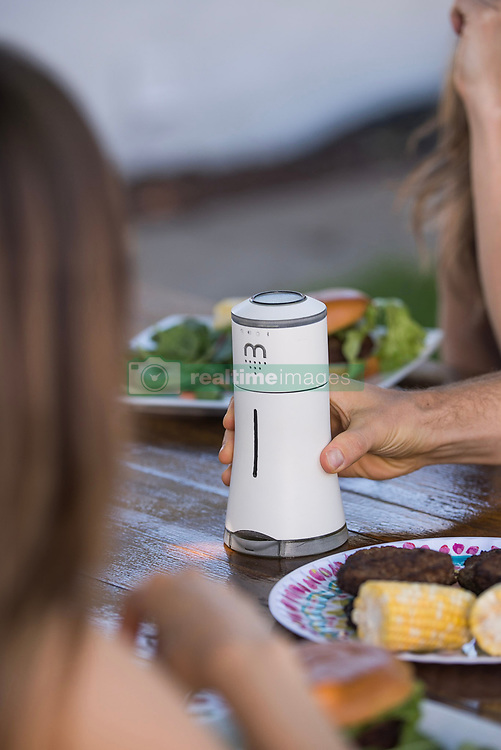 "August 3, 2017 - inconnu - A high-tech salt shaker is set to revolutionise dinner tables.The Bluetooth-enabled Smalt serves up salt manually or via an app.But it can talk to Amazon's Alexa home-help gadget, stream music and is equipped with colour-changing mood lighting.SMALT dispenses salt with a shake/pinch of your smartphone screen or simply turning the dial manually.The app also helps track your sodium intake for those trying to cut down.A spokesman for Californian company Herb & Body which is behind Smalt, said:"" You can also dispense salt virtually with intuitive hand gestures.""Simply shake your phone to shake out salt or pinch the screen of the smartphone to dispense a pinch of salt. ""There's also a function if you just want to judge the amount using your eyes.""The company added:"" Smalt is not just an amazing addition to your smart home.""It's a fun way to shake up the night."" More than just a centrepiece and more than just a salt dispenser, Smalt is a conversation starter and a great way to entertain guests. ""One in three Americans have high blood pressure and many more are at risk. ""Because of this, many have to control their salt consumption.""Smalt offers an easy and fun way to monitor and control your consumption using smart tech. ""Whether it's a pinch or an exact, measured amount, the device can be an entertaining way to keep you on the right track towards a healthier heart.Smalt connects with Amazon Echo to provide users with voice interface.Users ask the Alexa voice interface on the Echo to dispense the desired amount of salt from Smalrt.Herb & Body is a lifestyle company committed to using smart technology to enhance lives. It says its aim is to develop smart home devices that aspire to make ordinary life more fun, easier, and healthier. The spokesman added:"" Connected kitchen is the next wave of smart home tools and our company's ambition is to be at th"