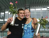 Svømming - NM i langbane Piranlegget Trondheim 9. juli 2002. Christopher Hansen fra Bergen og Anne-Mari Gulbrandsen fikk årets kongepokaler i svømming.<br /> <br /> Foto: Andreas Fadum, Digitalsport