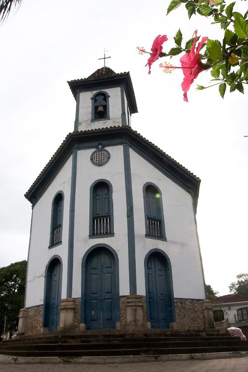 Santa Barbara_MG, Brasil...Torre da igreja de Nossa Senhora do Rosario em Santa Barbara...The Nossa Senhora do Rosario church in Santa Barbara...Foto: LEO DRUMOND / NITRO