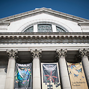 The front entrance, facing the National Mall, of the Smithsonian National Museum of Natural History in Washington DC.