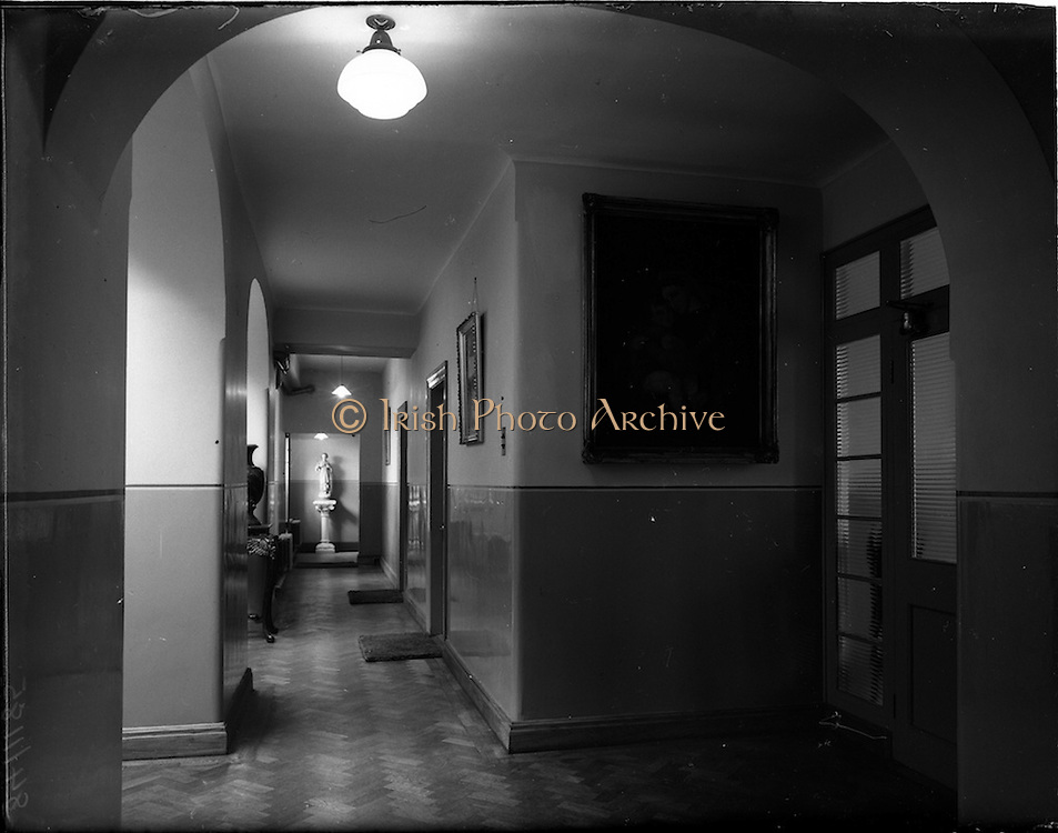 13/11/1952<br /> 11/13/1952<br /> 13 November 1952<br /> Views of James' Street C.B.S. (Christian Brother's School), Dublin for Mr James Geraghty.