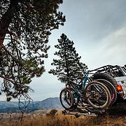 Carl Montoya - Nitro Gear & Axle shuttles Yuri Choufour, Rex Flake and Jay Goodrich to the top of the Tibbits single track near Leavenworth, Washington.