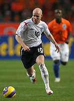Photo: Paul Thomas.<br /> Holland v England. International Friendly. 15/11/2006.<br /> <br /> Andrew Johnson of England makes a break.