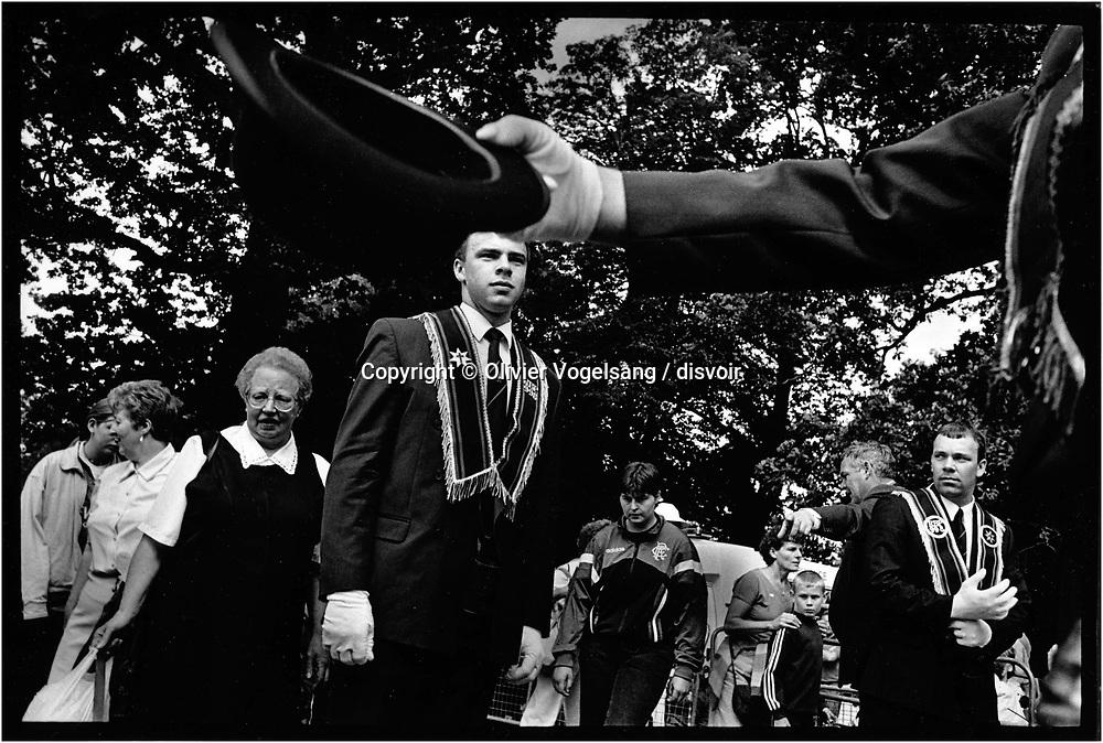 Irlande du Nord. Belfast. L'Ordre des Royal Black avant la parade.<br /> Northern Ireland. Belfast. Royal Black Order before the parade.