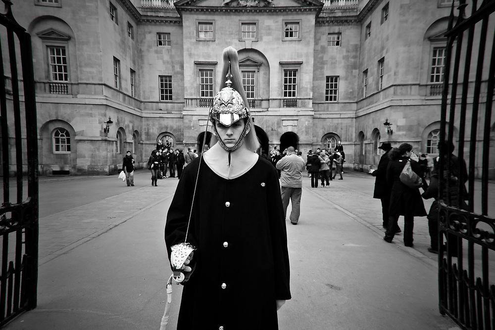 Londyn, 2009-03-05. Żołnierz Królewskiej Straży Konnej