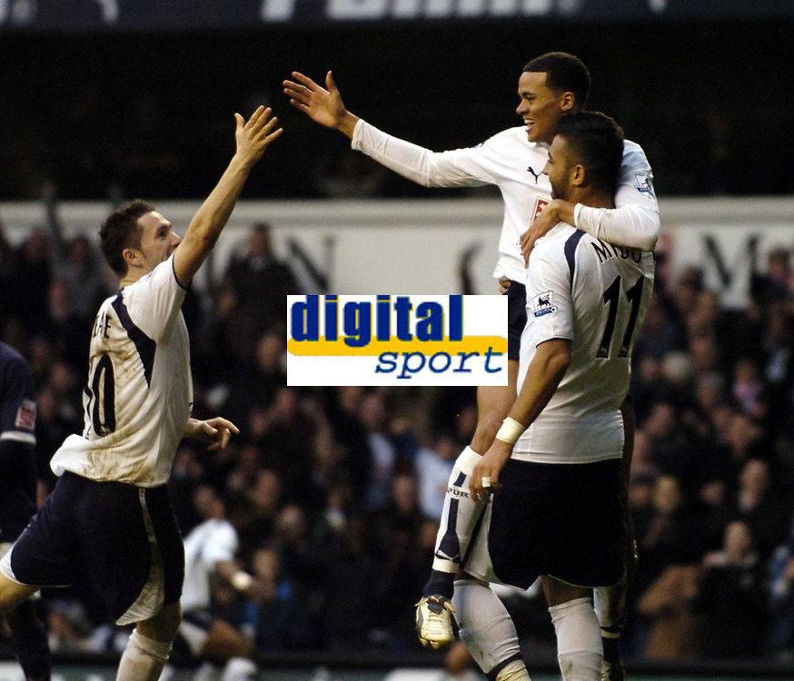 Photo: Olly Greenwood.<br />Tottenham Hotspur v Southend United. The FA Cup. 27/01/2007. Spurs Jermaine Jenas celebrates scoring with Mido and Robbie Keane