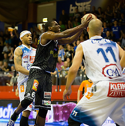 17.05.2015, Walfersamhalle, Kapfenberg, AUT, ABL, ece Bulls Kapfenberg vs magnofit Guessing Knights, 3. Semifinale, im Bild Shawn Ray (Kapfenberg) Christopher Dunn (Guessing) Ian Boylan (Kapfenberg) // during the Austrian Basketball League, 3th semifinal, between ece Bulls Kapfenberg and magnofit Guessing Knights at the Sportscenter Walfersam, Kapfenberg, Austria o00000n 2015/05/17, EXPA Pictures © 2015, PhotoCredit: EXPA/ Dominik Angerer