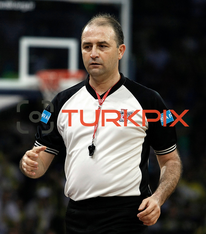 Referee's Ismail AYDIN during their Turkish Basketball league Play Off Final fourth leg match Fenerbahce Ulker between Efes Pilsen at the Abdi Ipekci Arena in Istanbul Turkey on Thursday 27 May 2010. Photo by Aykut AKICI/TURKPIX