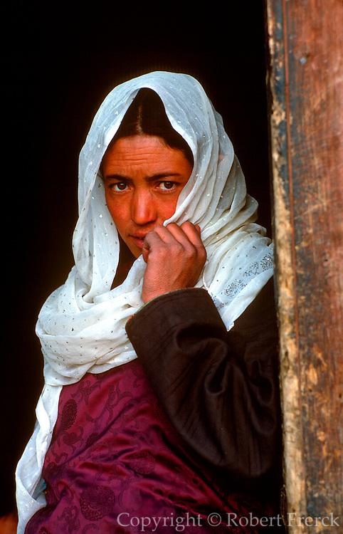 INDIA, LADAKH Portrait of Tibetan woman in Leh
