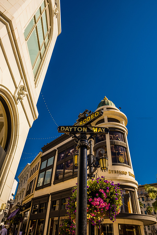 Luxury shopping, Via Rodeo (Rodeo Drive), Beverly Hills, California USA.