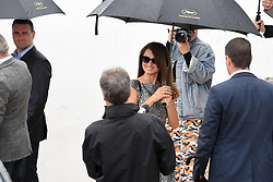 May 18, 2019 - Cannes, France - 72eme Festival International du Film de Cannes. Arrivée au photocall du film ''Douleur et Gloire''. 72th International Cannes Film festival. ''Dolo y Gloria'' cast arrives for photocall under rain....239402 2019-05-18  Cannes France.. Cruz, Penelope (Credit Image: © L.Urman/Starface via ZUMA Press)