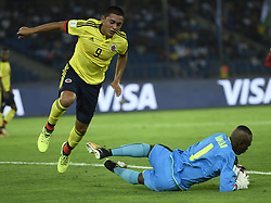 NEW DELHI, Oct. 7, 2017  Santiago Barrero (L) of Colombia vies with Danlad Ibrahim, goalie of Ghana during the Group A match between Colombia and Ghana at FIFA U-17 World Cup soccer tournament at Jawaharlal Nehru Stadium in New Delhi, India on Oct. 6, 2017. Ghana won 1-0.  wdz) (Credit Image: © Partha Sarkar/Xinhua via ZUMA Wire)