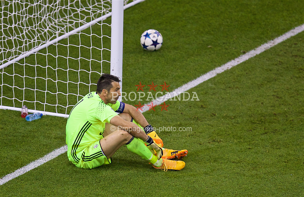 CARDIFF, WALES - Saturday, June 3, 2017: Juventus' goalkeeper Gianluigi Buffon looks dejected as he is beaten for the second Real Madrid goal during the UEFA Champions League Final between Juventus FC and Real Madrid CF at the Stadium of Wales. (Pic by David Rawcliffe/Propaganda)
