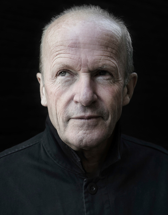 Nederland. Amsterdam, 09-10-2014. Photo: Patrick Post.   Portret van de Britse schrijver Jim Crace.
